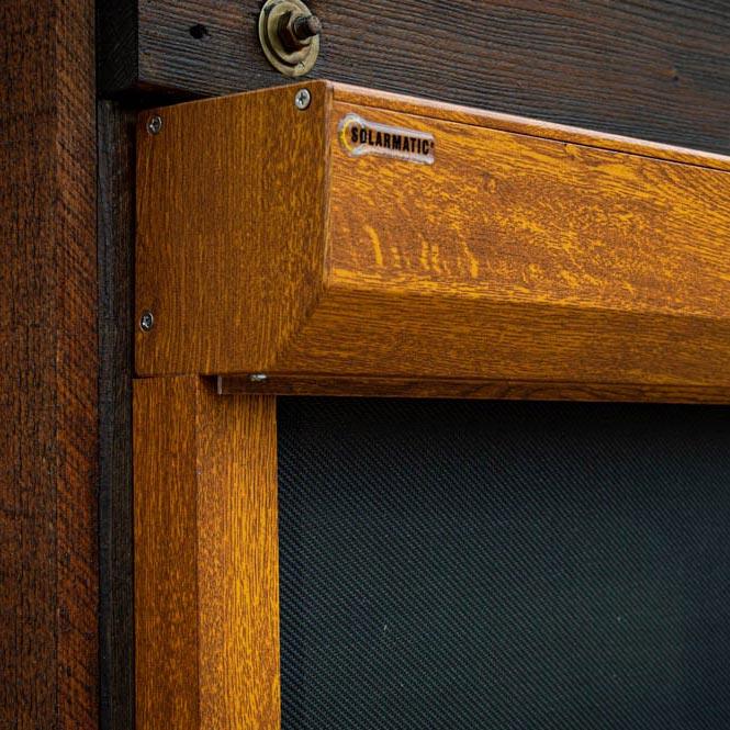 ZipScreen mit Holz-Dekor